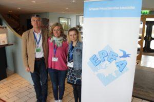 To glade rumenere som er støttet av FOKO for deltagelse. F.v.: Catalin Bejan, Hilde Larsen og Ioana Morar